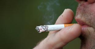Gros fumeur, quelle incidence sur mon assurance emprunteur ? Faut-il mentir ?