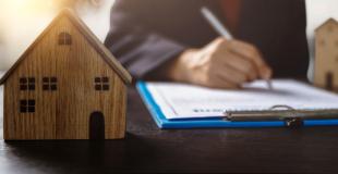 Comment inclure les frais de notaire dans un prêt immobilier ?
