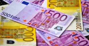 Avec un salaire de 2 000€, combien puis-je emprunter ?