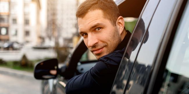 Assurance auto pour taxi et VTC : quel prix ?