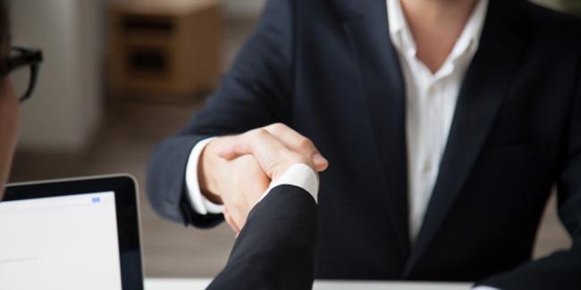 Courtier en rachat de crédit : avantages et inconvénients