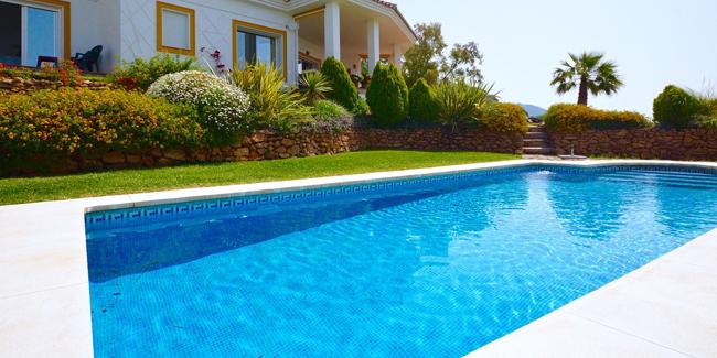 Inclure le financement d'une piscine dans le prêt immobilier : est-ce possible ?